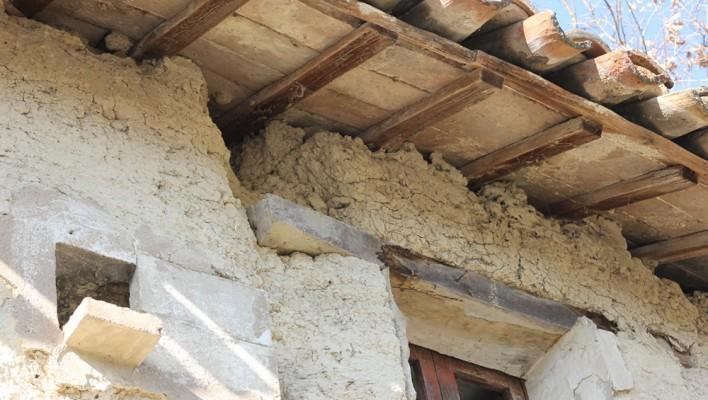 Case Di Mattoni Di Fango : Antiche case di terra e paglia nella regione marche